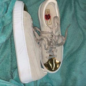 Puma Sneakers w/ Gold tip!
